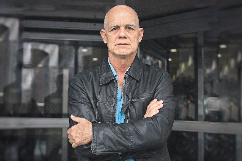 Πέδρο Χουάν Γκουτιέρες: «Με έσωσαν το γράψιμο και το αλκοόλ»