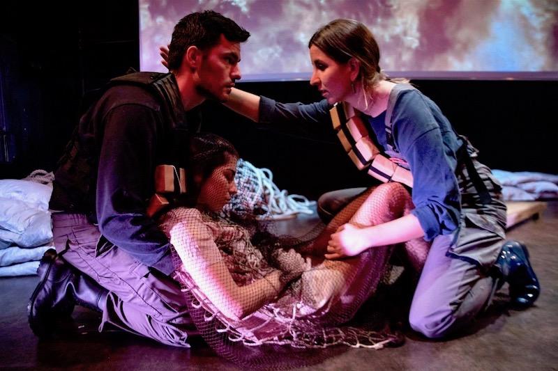 Η πολιορκία της Elusia, σε σκηνοθεσία της Μαρίλλης Μαστραντώνη (κριτική)