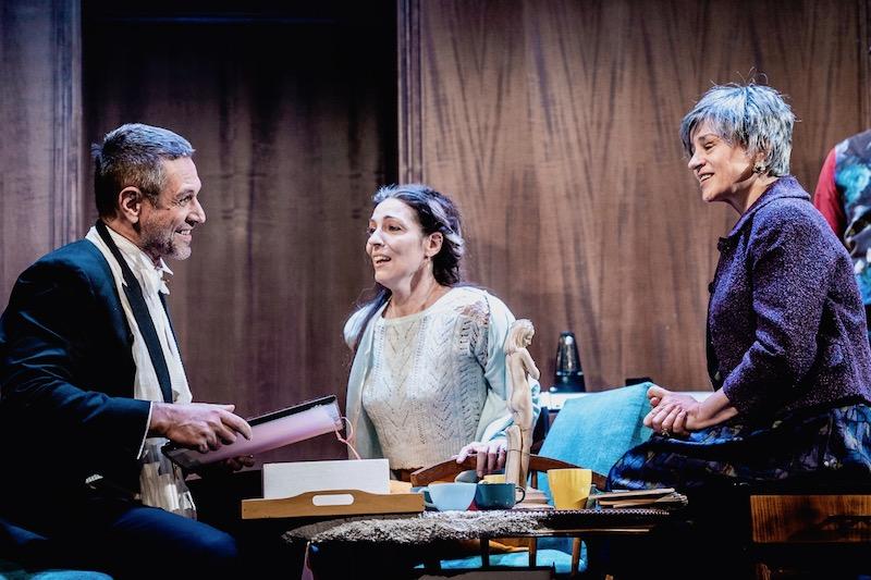 Τρεις αδελφές, σε σκηνοθεσία Δημήτρη Καραντζά (κριτική)