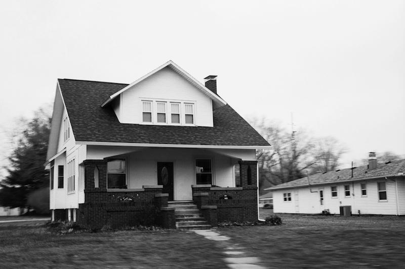 Στο σπίτι, της Μέριλιν Ρόμπινσον – θεραπεύοντας τις πληγές της ενήλικης ζωής