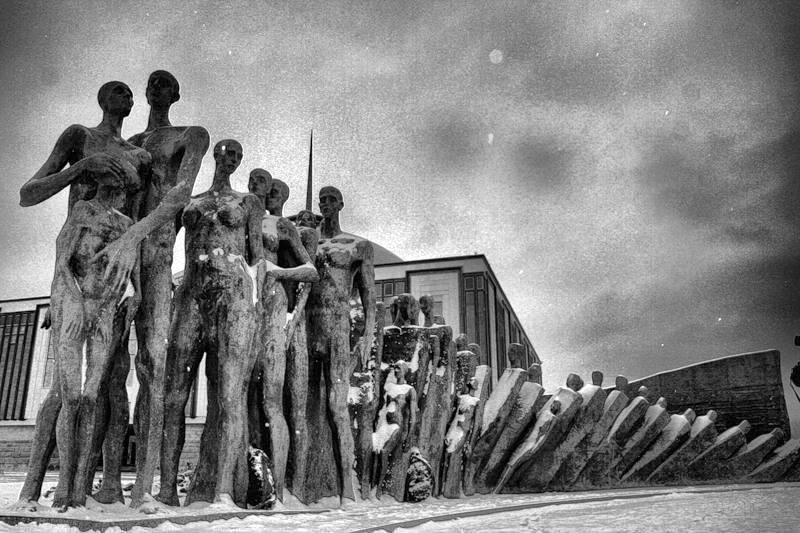 Βιβλία για το Ολοκαύτωμα: Μαρτυρίες, στρατοπεδική λογοτεχνία, ιστορικές μελέτες