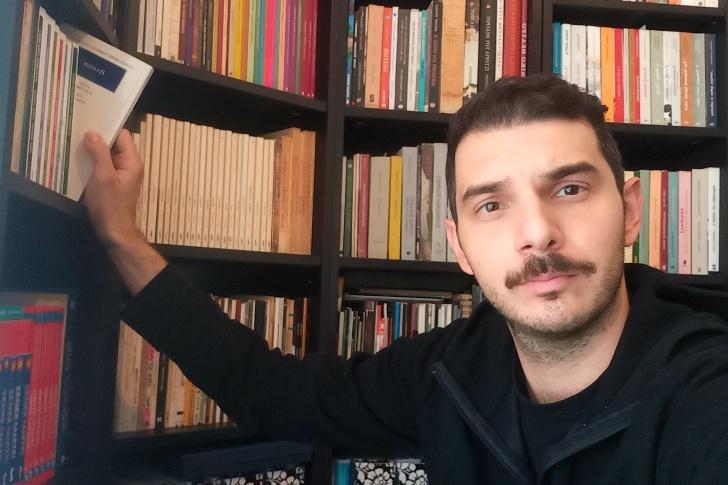 Διαβάζοντας με τον Στέλιο Τυριακίδη