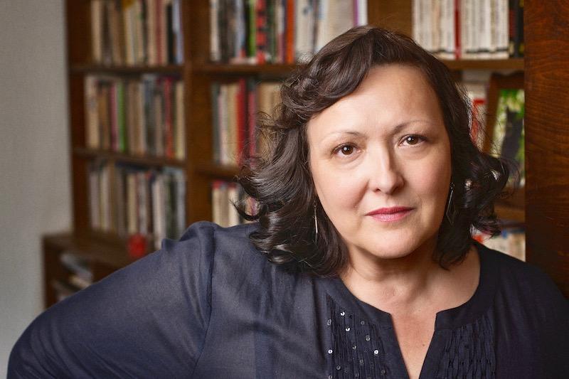 Γελένα Λένγκολντ: «Τα διηγήματα είναι ο κόσμος σε λίγες σελίδες»