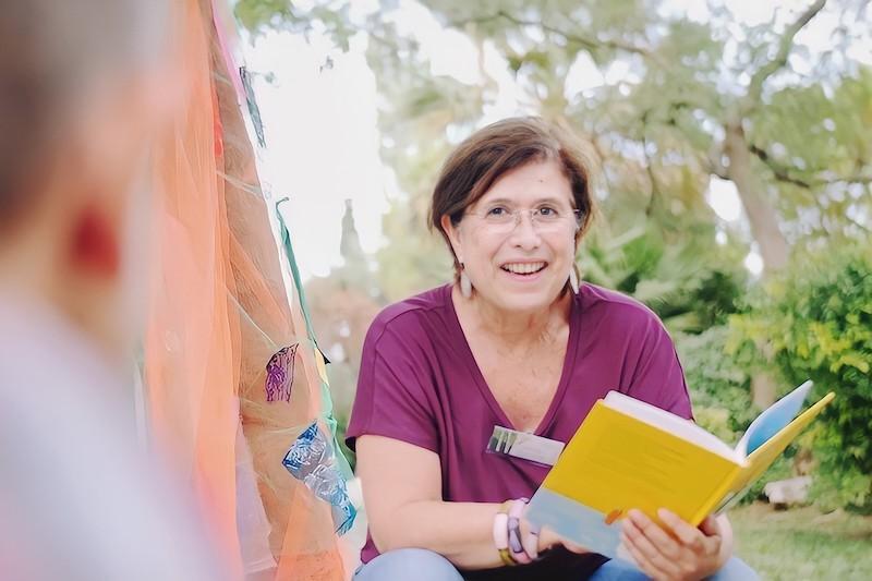 Μαρίζα Ντεκάστρο: «Πρώτα είμαι παιδαγωγός κι έπειτα συγγραφέας»