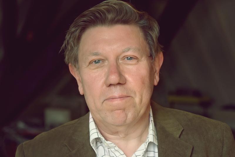 Βίλεμ Μ. Ρόχεμαν: «Η λογοτεχνία αποτελεί το τελευταίο προπύργιο της φαντασίας»
