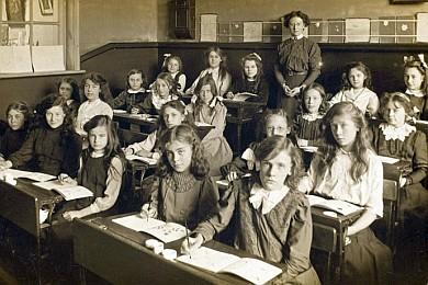 class girls rows390