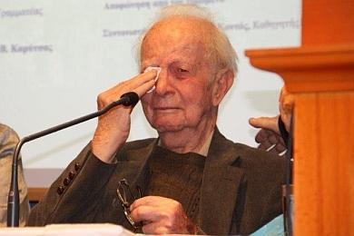 Πέθανε ο ποιητής Τάκης Καρβέλης