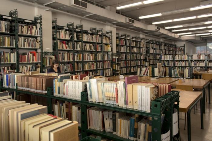 «Διάλογος» μέσω Επιστολών: Βιβλιοθήκες εναντίον συγγραφέων και εκδοτών