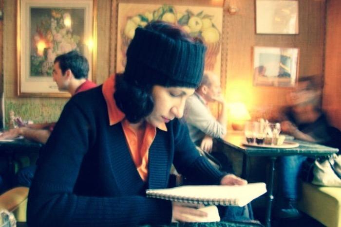 Διαβάζοντας με την Τίνα Μανδηλαρά