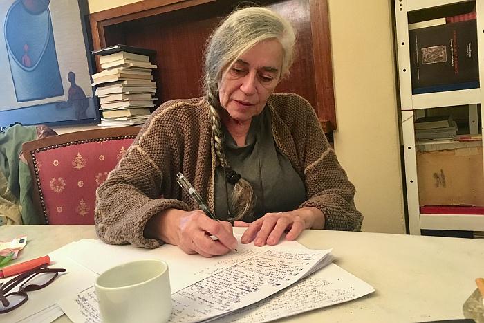 Ιωάννα Καρυστιάνη: «Λειτουργώ σαν παλμογράφος αισθημάτων»