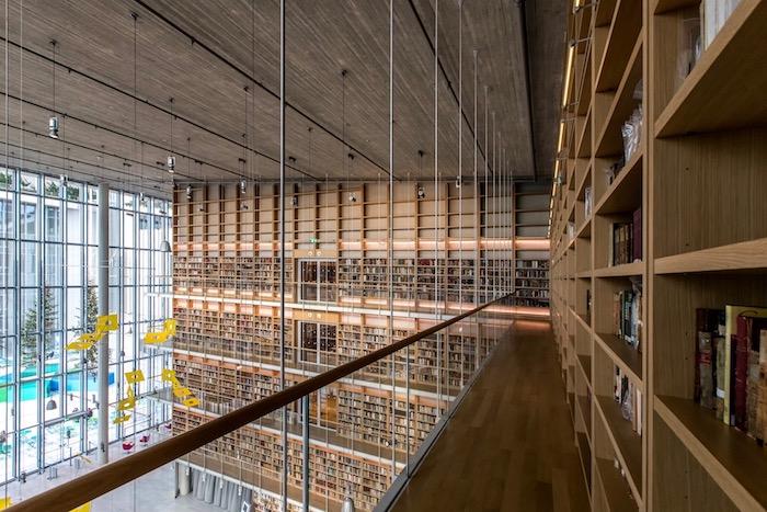 Σε εξέλιξη η ιστορική μετακόμιση της Εθνικής Βιβλιοθήκης