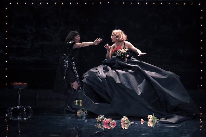 Γυναικεία τελετή Ζενέ στο Θέατρο Τέχνης