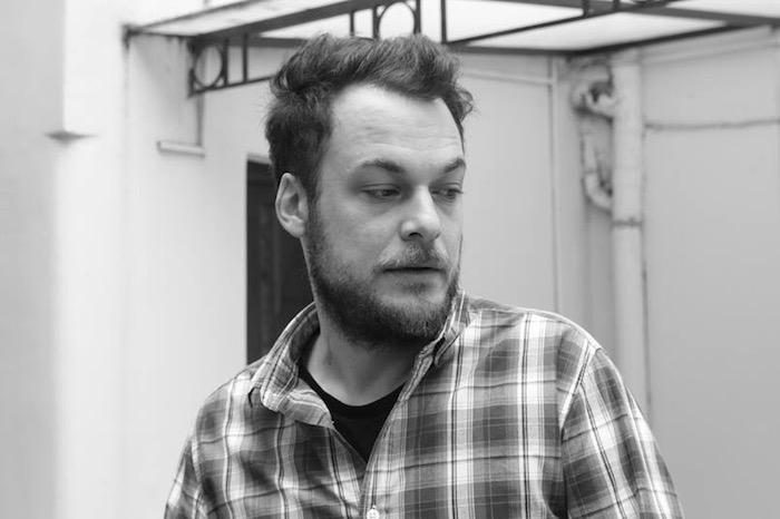 Θωμάς Τσαλαπάτης: «Αντίστροφα, στην ίδια στενή διαδρομή»