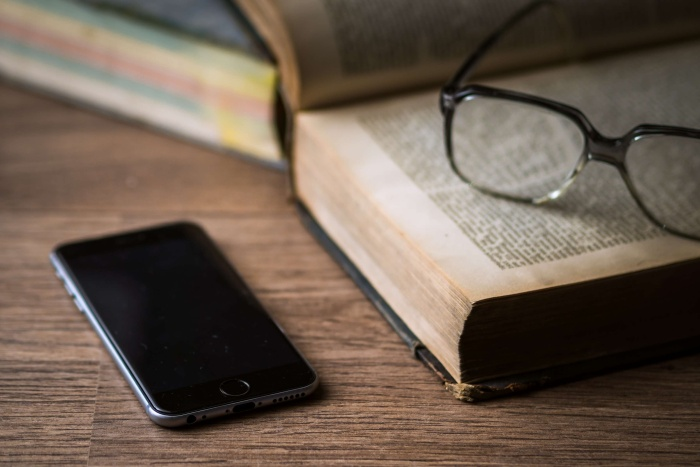 Συγγραφείς και εκδότες: Το 2% δεν είναι φόρος αλλά δίκαιη αποζημίωση