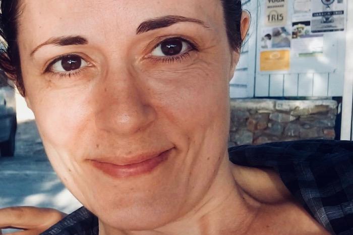 Ιφιγένεια Ντούμη: «Πώς επιλέγει κανείς να σκοτώσει τον χρόνο του»
