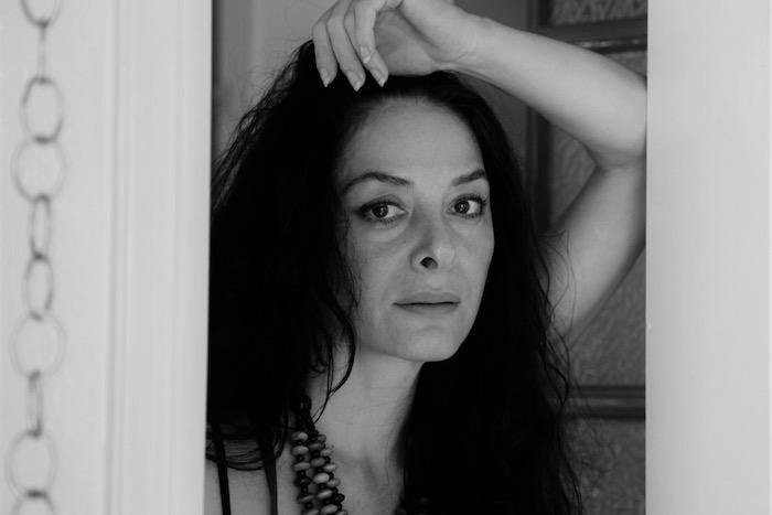 Νάνα Παπαδάκη: «Aπ' όποια μεριά κι αν το δεις τα χέρια είναι η αιτία»
