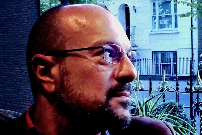 Γιάννης Ευθυμιάδης: «Κυκλοφορώ στα πιο αχόρταγα σκοτάδια αυτής της πόλης»
