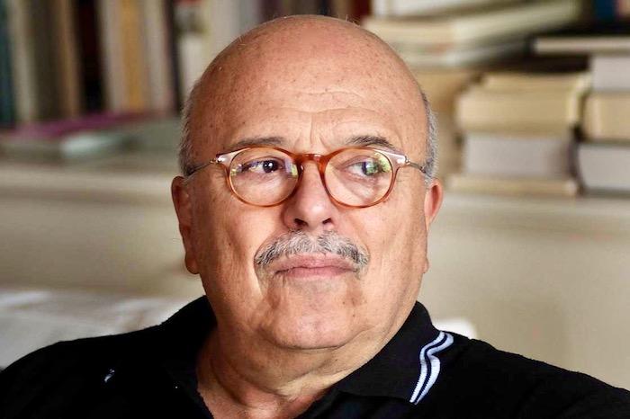 Γιάννης Ξανθούλης: «Γράφω χωρίς να αυτολογοκρίνω το κέφι μου»