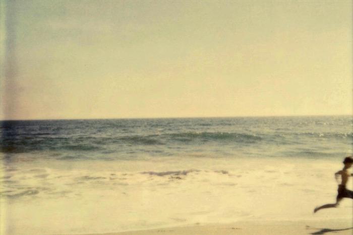 «Θυμάσαι τη ρυθμική ανάσα της θάλασσας»