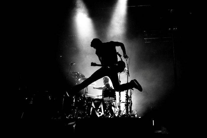 «Το ροκ πέθανε… Ζήτω το ροκ!»