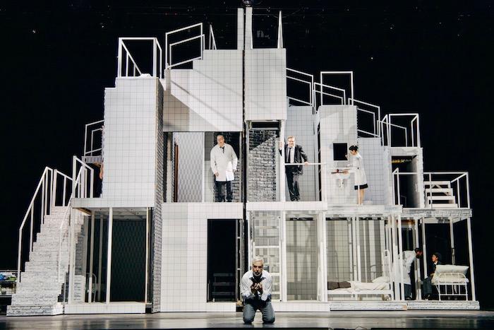 «Βότσεκ»: Μια παράσταση στιβαρή, πυκνή, καθηλωτική