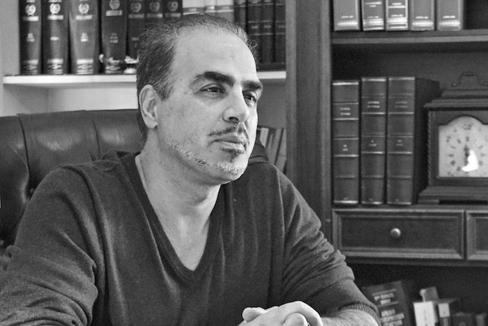 «Ο συγγραφέας δεν δικαιούται να χάνεται στον κόσμο των λέξεων»